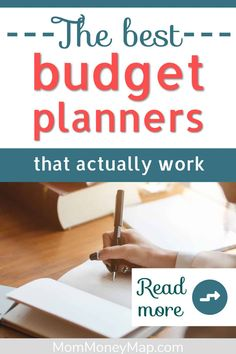 Here are THE BEST budget planners that will actually keep you on track towards your financial goals! Whether you're a beginner or an experienced budgeter, these monthly budget planners will work for you! #budgetplanner #bestbudgetplanner #monthlybudgetplanner