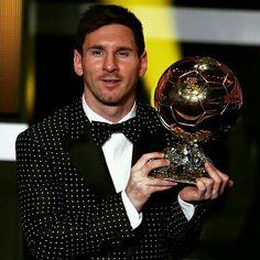 [ONTHISDAY] January 7 2013: 2 years ago today Messi became first man to win four Ballon d'Or  Fa dos anys... 7 de gener del 2013: Messi, primer futbolista que va aconseguir la Pilota d'Or en quatre ocasions  Hace dos años... 7 de enero de 2013: Messi, primer futbolista que consiguió el Balón de Oro en cuatro ocasiones  #Messi #FCBarcelona #onthisday @leomessi @fcbarcelona