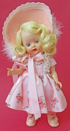1953 MUFFIE - 606 MARGIE FRIENDLY - PINK VERSION - STUNNING CONDITION Old Dolls, Antique Dolls, Vintage Dolls, Pastel Blue, Pink, Conditioner, Ann Doll, Heart Dress, Dress Hats