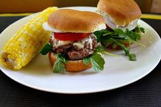 Beef slider recipe with gruyere. Ina's party slider recipe with arugula tomato and onion. Easy beef sliders recipe