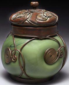 Tiffany - Encrier 'Urne' - Bronze et Verre Soufflé - 1900-10
