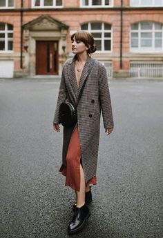 Very Light and Fresh Look. 43 Of The Most Trending Street Style Outfits That Will Inspire You – Casual Fall Fashion Style. Very Light and Fresh Look. Outfit Essentials, Autumn Fashion Casual, Autumn Winter Fashion, Casual Fall, Casual Chic, Mode Outfits, Fashion Outfits, Look Fashion, Fashion Mode