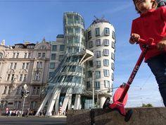 #Tournage #Voyage #Découverte #ArthurAutourDuMonde #Prague #République_tchèque #MaisonQuiDanse #Architecture