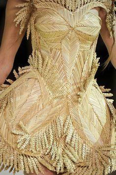 Wheat dress. Alexander #McQueen Spring rtw 2011.