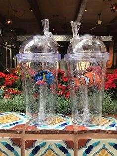 Disney World Parks, Disney Pixar, Walt Disney, Disney Cups, Cute Water Bottles, Disney Souvenirs, Disneyland Food, Cute Cups, Disney Wallpaper