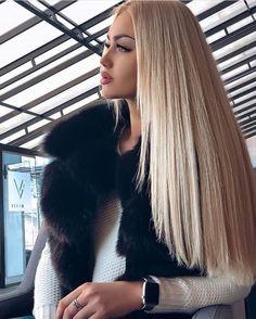 Na obrázku může být: jeden člověk nebo víc lidí - short hair Love Hair, Gorgeous Hair, Gorgeous Blonde, Hair Looks, Pretty Hairstyles, New Hair, Hair Inspiration, Hair Makeup, Hair Color