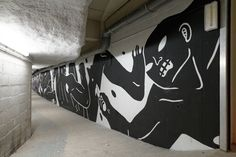 Fresque de 48 mètres de long réalisée en 2014 dans le cadre du Lasco Project par Cleon Peterson au Palais de Tokyo. Crédit photo : Nicolas Gzeley  Plus d'informations : https://www.google.com/…/exh…/cleon-peterson-power/gQXjOQxb…
