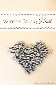 Perfect DIY option for a small winter wedding! Winter Stick Heart via /blissfulmiller/ Twig Crafts, Cute Crafts, Stick Crafts, Heart Diy, Heart Crafts, Small Winter Wedding, Bookmarks Kids, Diy Wedding Bouquet, Idee Diy