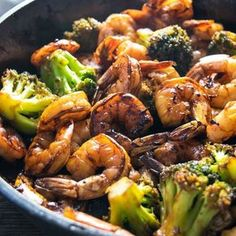 Check out this Honey Garlic Shrimp & Broccoli recipe from Homemade Hooplah! This browned honey garlic shrimp with tender broccoli makes for a super easy dinner that packs a wallop of flavor with simple, common ingredients. Shrimp And Broccoli, Garlic Shrimp, Broccoli Recipes, Shrimp Recipes, Fish Recipes, Asian Recipes, Healthy Recipes, Simple Recipes, Recipies