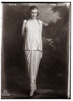 20 Vintage Photos Show Women's Fashions of the 1910s
