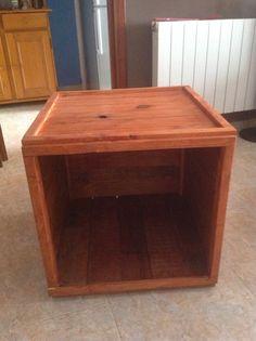 Mesa para maceta interior de pino y palet reciclado 15€ la unidad