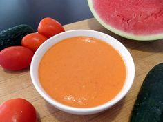 Gazpacho de sandía. No puedes perderte este sencillo gazpacho de sandía, una recetas muy fácil, refrescante y super ligera. Ideal para dietas