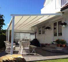 Beskytt deg mot solen på terrassen og velg en solid markise som gjør det svalere å nyte sommervarmen.