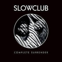 Habe The Pieces von Slow Club mit Shazam gefunden. Hör's dir mal an: http://www.shazam.com/discover/track/125250648