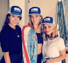 Women power 💥 📸@samantha.n.morrison @laurellmusic @sarahbaofficial @down2earthmusic • • • #greece 🇬🇷 #europe 🇪🇺 #athens #exclusive #hat… Powerful Women, Athens, Greece, Europe, Hats, Instagram, Fashion, Greece Country, Moda