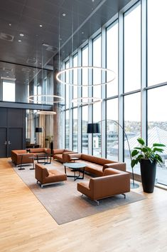 The Delphi Elements by Hannes Wettstein and the Insula Table in the Orkla headquarter in Norway. Delphi can be designed from 14 different modules, which gives you the opportunity to create your own one-of-a-kind sofa. Delphi is a sofa that can be modified as per needs, which makes it suitable for corporate working spaces. The headquarter is designed by SenabEikeland and IARK. #fredericiafurniture #erikjørgensen #delphielements #hanneswettstein #interiordesign #corporatesettings #modernoriginals Lobby Furniture, Sofa Furniture, Office Graphics, Coffee Room, Unique Sofas, Sofa Material, Elegant Sofa, Contemporary Classic, Co Working