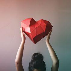 3D Geometric Heart Paper craft Low Poly Paper door PaperoCrafts