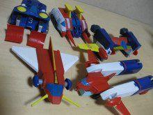 埋め込み Japanese Robot, Retro Robot, Super Robot, Gundam Model, Toys, Robots, Outdoor Decor, Modeling, Activity Toys