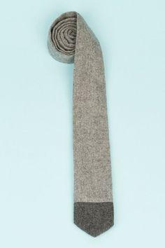Nikolai Rose dipped neck tie - grey/dark grey