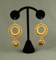 ,earrings