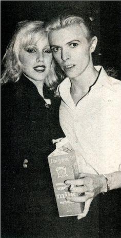 Cyrinda Foxe, David Bowie & milk