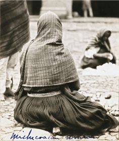 "Tina Modotti Untitled [""The way indian women dress in the state of Michoacan""] n. San Francisco Museum of Modern Art Tina Modotti, Beautiful Mexican Women, African American Models, San Francisco Museums, Edward Weston, Chicano Art, Female Photographers, Mexican Art, Antique Photos"