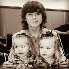 Chandler and the twins who play Judith!