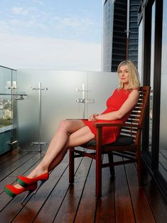 Rosamund Pike long legs in a short red dress and high heels Rosamund Pike, Great Legs, Nice Legs, Beautiful Legs, Beautiful Women, Girls In Mini Skirts, Sexy Legs And Heels, Women Legs, Beautiful Celebrities