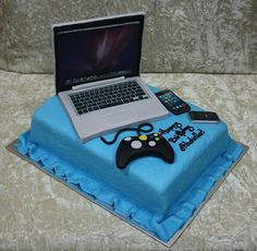 laptop, iphone and blackberry cake by The House of Cakes Dubai, via Flickr