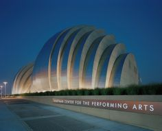 The Muriel Kauffman Theatre, Kansas City, Missouri. Designed by Moshe Safdie. At the Kauffman Center for the Performing Arts, you'll find the performance home of the Kansas City Ballet and Lyric Opera of Kansas City. Kansas City Restaurants, Hot Tickets, Kansas City Missouri, City Ballet, Thing 1, Local Attractions, City Photography, Concert Hall, Places To Visit
