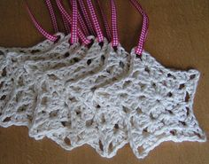 apologies.. I have now become obsessed and am googling crochet star patterns..     how to crochet stars - Google Search