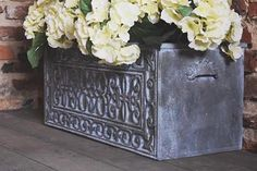 Jonathon Marc Mendes on how to create Faux Ironwork Planter with Annie Sloan Chalk Paint & Saltwash Chalk Paint Techniques, Grand Designs Live, Period Living, Rustic Planters, Iron Orchid Designs, Annie Sloan Chalk Paint, Your Paintings, Crafts To Do, Diy Painting