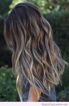 How to pull off the perfect bronde hair color this season