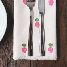 If you're looking to boost your dinner game, make the perfect personalized gift or be more environmentally-friendly, this project's for you.