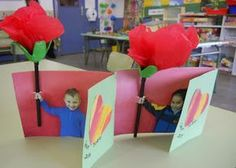 but with flower pen . for teacher? Mothers Day Crafts For Kids, Fathers Day Crafts, Mothers Day Cards, Gifts For Kids, Valentines Day Party, Valentine Day Crafts, Craft Activities For Kids, Preschool Crafts, Mother's Day Projects
