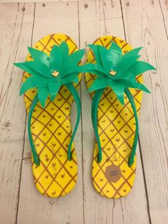 af29500d207b Kate Spade Pineapple Embellished Sandals Size 8  KateSpade  FlipFlops