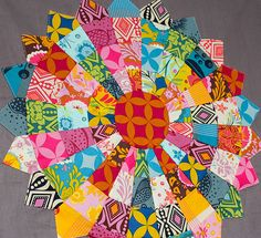 pieced jelly roll dresden quilt technique with tutorial access Quilting Tutorials, Quilting Projects, Quilting Designs, Sewing Projects, Quilting Ideas, Jellyroll Quilts, Scrappy Quilts, Mini Quilts, Dresden Plate Quilts