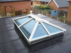 Related image Roof Lantern, Double Vitrage, House Extensions, Flat Roof, Outdoor Furniture, Outdoor Decor, Lanterns, Table, Image