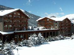 Hotel Hermitage Sport Andorra, un lujo para los amantes del esquí http://icono-interiorismo.blogspot.com.es/2015/01/hotel-hermitage-sport-andorra-un-lujo.html