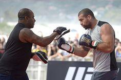 Mauricio Rua vs. Corey Anderson i Zubaira Tukhugov vs. Renato Carneiro na UFC 198