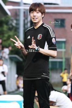Lee Hyun Woo Smile, Lee Hyun Woo Wallpaper, Liar And His Lover, Kdrama Actors, Ji Chang Wook, Korean Artist, Korean Actors, My Idol, Actors & Actresses