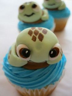Tons of cupcakes that look way too cute or too creative to eat but they are all amazing ideas!