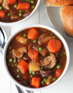 Hearty, Delicious Mushroom Stew – Delightful Adventures A quick and easy vegan mushroom stew that's hearty and of course, delicious! This vegan stew will become a new favourite family meal and it can be made in your Instant Pot or on the stove top! Vegetarian Stew, Vegan Stew, Vegan Soups, Vegetarian Cooking, Vegan Recipes Easy, Vegetarian Recipes, Cooking Recipes, Veggie Stew Recipes, Veggie Soup