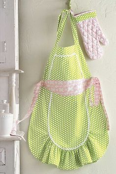 Adult ruffly apron and mint in pink and green, for Easter. On Hautelook, so there's no pattern, but it would be easy to make.