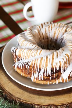Gluten Free Vegan Cinnamon Roll Coffee Cake. Layers of light vanilla cake and cinnamon sugar, baked to perfection. That simple glaze is a total must!