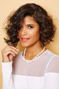 And, there you go: Shorter hair for as little or as long as you need it. #refinery29 http://www.refinery29.com/curly-hair#slide-7