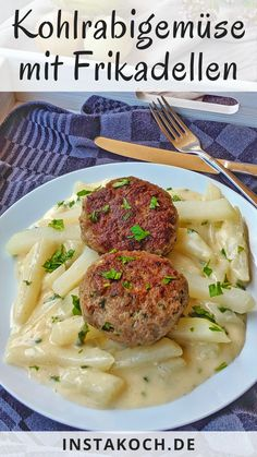 Cabbage greens in a light sauce with meatballs - a quick and easy way to . - Kohlrabi vegetables in light sauce with meatballs – a simple and quick recipe - Easy Chicken Recipes, Quick Recipes, Easy Healthy Recipes, Easy Dinner Recipes, Dinner Ideas, Top Recipes, Easy Meals For Kids, Quick Easy Meals, Mayo Vegan