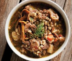 A recipe for goose stew with mushrooms and barley, made with snow goose legs. Hunting - and cooking - snow geese can be challenging: Here are some tips. Wild Game Recipes, Duck Recipes, Meat Recipes, Cooking Recipes, Recipies, Cooking Games, Healthy Recipes, Goose Breast Recipe, Gourmet