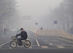 China tells U.S. to stop tweets on Beijing's bad air