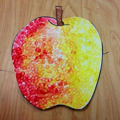 apple art projects for kids September Art, Fall Art Projects, School Art Projects, Kindergarten Art, Preschool Art, Preschool Alphabet, Art For Kids, Crafts For Kids, Stampin Up